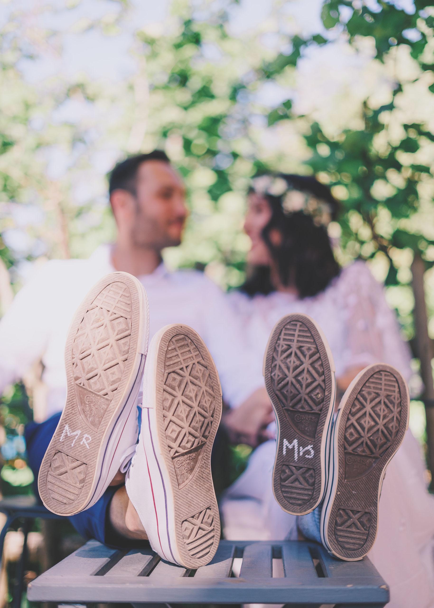mariés flou photographique chaussure mr mrs