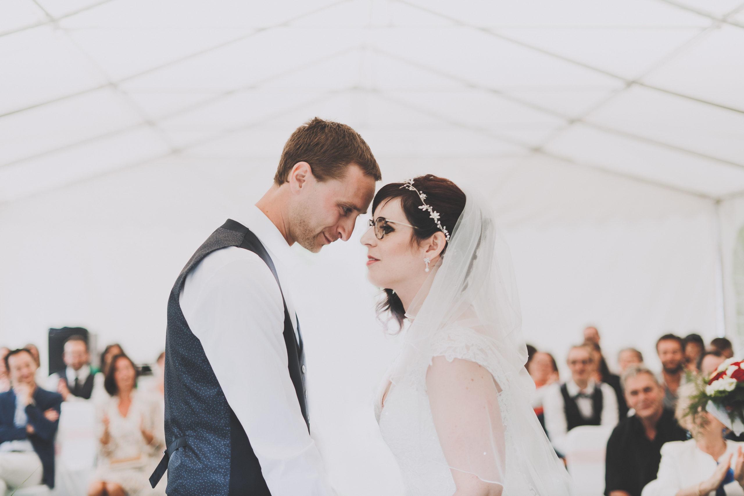 mariage mariés regards