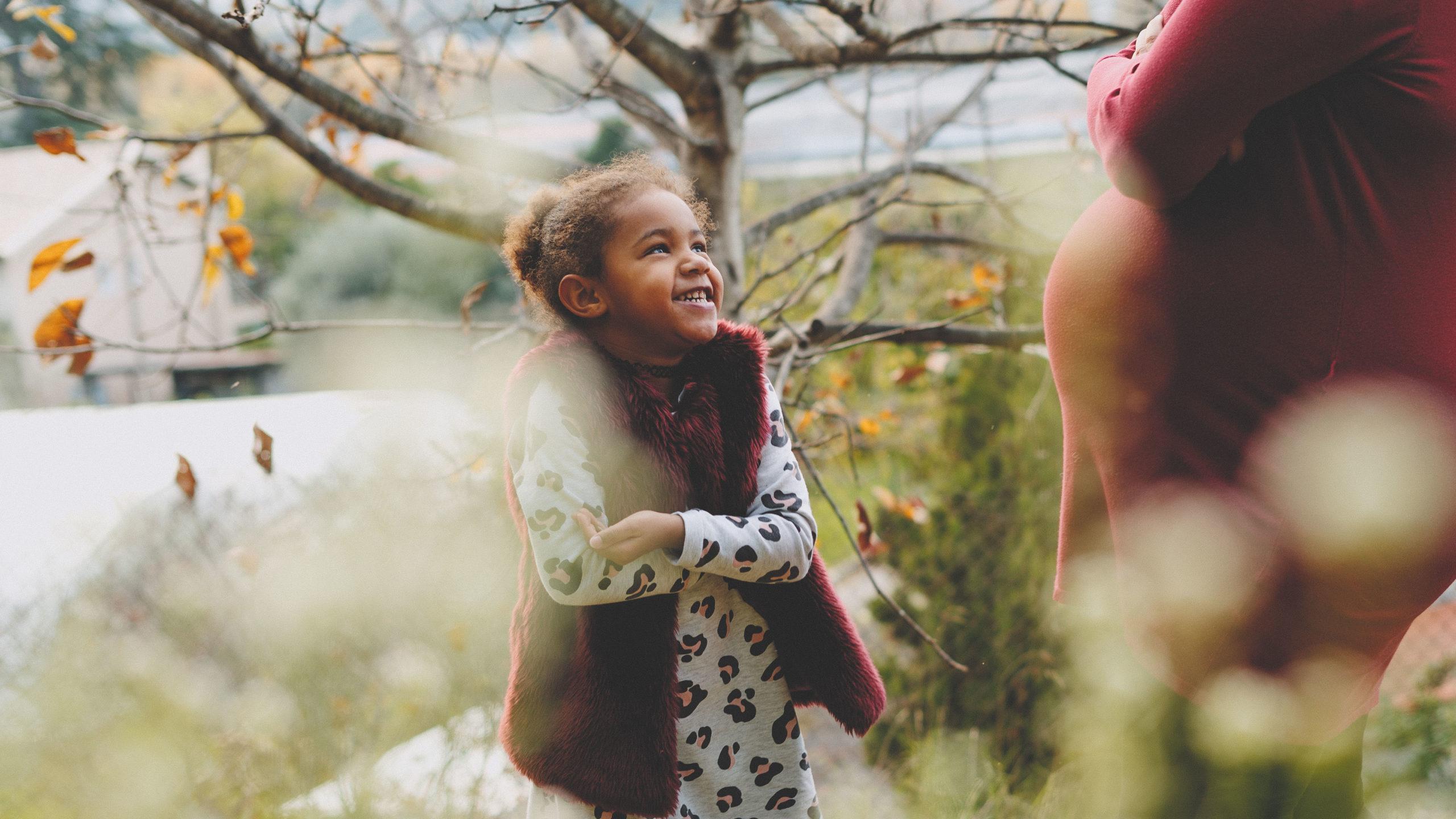 portrait enfant nature sourire
